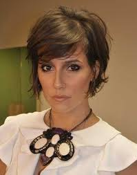 how to grow out layered women s hair into bob best 25 short layered hairstyles ideas on pinterest hair cuts