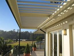 pergola balkon die besten 25 louvered pergola ideen auf outdoor