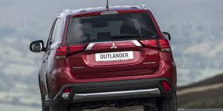 mitsubishi outlander review carwow
