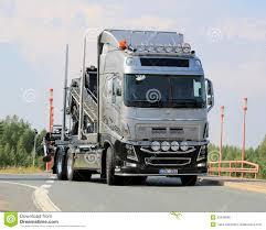 volvo na caminhão da mostra de volvo na estrada foto editorial imagem