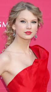 great taylorswift makeup for a red dress prom promdress
