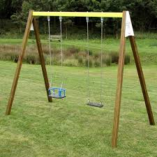 si ge b b pour portique balancoire bois great portique en bois avec balanoire et toboggan