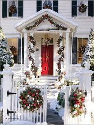 home décor ideas evergreen wreaths on windows