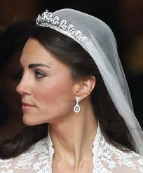 kate middleton wedding dress kate middleton s wedding dress popsugar fashion photo 3