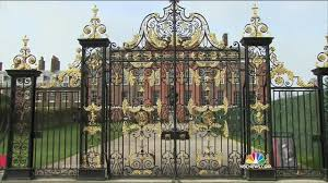 Kensington Pala William And Kate U0027s Kensington Palace Staff Threaten To Strike