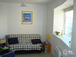canapé la rochelle location studio dans une résidence à la rochelle iha 22532