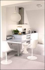 amenager petit salon avec cuisine ouverte amenagement d une cuisine ouverte sur le salon avec table
