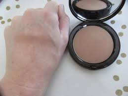 bobbi brown golden light bronzer bobbi brown bronzing powder in golden light 1 absolutely airs