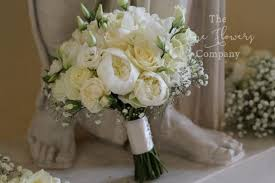 wedding flowers surrey classic white bijou wedding flowers at botleys mansion
