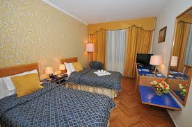 Schreibtisch Mit Erbau Kaufen Tirana International Hotel U0026 Conference Centre Standart Einzelzimmer