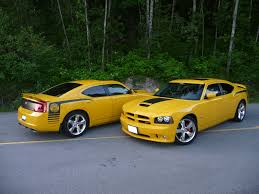 file 2007 dodge charger srt8 super bee jpg wikimedia commons
