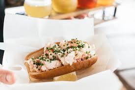 bun butterer thirteen lobster rolls we allagash brewing company