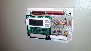 how to fix your thermostat changing the batteries youtube