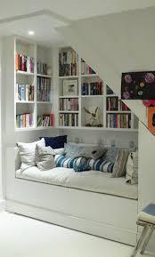 Ecke Sinnvoll Nutzen Ideen Dort Gemütliche Leseecke Bücherregal Mit Sitzgelegenheit Positioniert