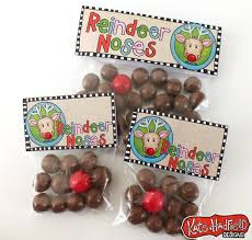inexpensive party favors 8 budget friendly christmas party favors and decorations babble
