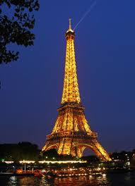 paris travel guide living in another language