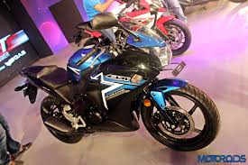 honda cbr 150r price in india yamaha yzf r15 vs honda cbr150r vs suzuki gixxer sf tech spec