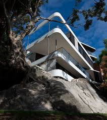 sydney cliff top house nears completion luigi rosselli architects