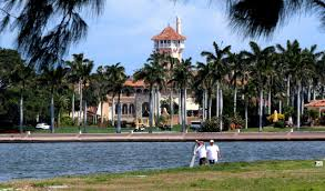 senators push trump to release white house mar a lago visitor logs
