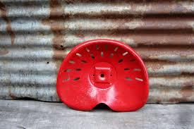siege de tracteur ancien si ge de tracteur ancien de faucheuse en fer forg avec support