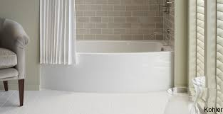 Bathtubs And Showers For Small Spaces 8 Soaker Tubs Designed For Small Bathrooms Small Bath Remodel