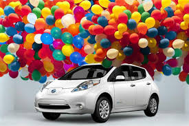 nissan leaf uk review nissan leaf celebrating third birthday car news reviews