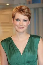 shortest hairstyle ever 100 pixie cuts that never go out of style pixie cut pixies and