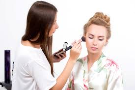 professional makeup artist miami perks of being a makeup artist qc makeup academy