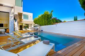 beverly modern villa luxury retreats