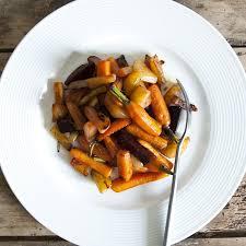 cuisiner l aubergine à la poele poêlée de légumes carottes fanes betteraves et aubergines