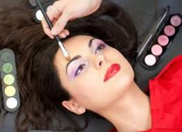 top schools for makeup artistry best makeup artist courses search top colleges