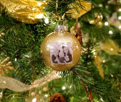 make diy photo christmas ornaments clutterbug