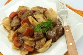 cuisiner le boeuf bourguignon recette facile de bœuf bourguignon à la mijoteuse