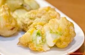 fiori di zucca fritti in pastella fiori di zucca ripieni in pastella ricetta semplice e veloce