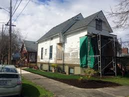 infill lot portland could quake proof classic houses by putting smaller homes