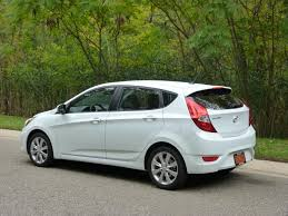 2012 hyundai accent se hatchback review 2012 hyundai accent se the about cars