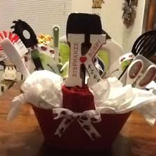 bridal shower gift basket ideas 84 best wedding shower gift baskets images on wedding