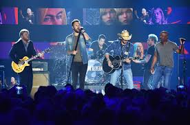 cmt awards gregg allman tribute darius rucker jason aldean
