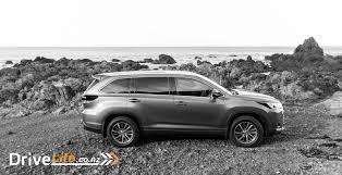 toyota highlander 2017 white 2017 toyota highlander u2013 car review the no drama suv drive