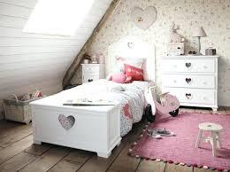grand tapis chambre enfant chambre d enfant chambre d ado les nouveautés maisons du monde