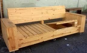 canapé en bois de palette tuto canapé avec palette plans et guides de construction