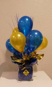 balloon arrangements for graduation blue and gold balloon centerpiece using 5 balloons cub scouts