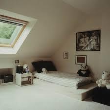 decoration chambre comble avec mur incline visuel 9