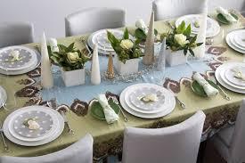 simple christmas table settings 28 christmas dinner table decorations and easy diy ideas