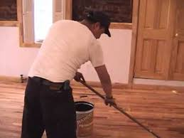 what does it look like to apply polyurethane to hardwood floors