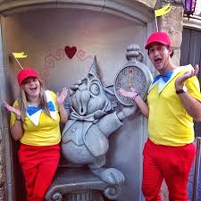 Tweedle Dee And Tweedle Dum Costumes 120 Easy Couples Costumes You Can Diy In No Time Easy Couples