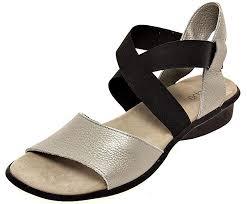 Comfortable Sandal Brands 13 Comfortable Walking Sandals That Don U0027t Sacrifice Style