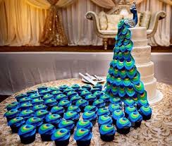 peacock themed wedding cake wedding accessories