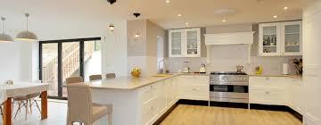 kche mit theke 11 theken die kleine küchen perfekt machen