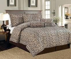 cheetah print bedroom decor leopard bedroom leopard print room designs pink leopard bedroom